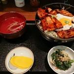 味処 あずま - 豚玉丼