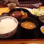 8258945 - 焼きメンチカツ定食