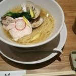 銀座 篝 - 料理写真:蛤と牡蠣 汐SOBA1,000円(税込)