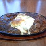 ギャラリー喫茶 第3章 - 料理写真:鉄板チーズカレー