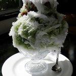 シブレット - 天然氷のかき氷(ミルク宇治金時)