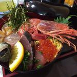 82591489 - 海鮮丼(並)1,200円。