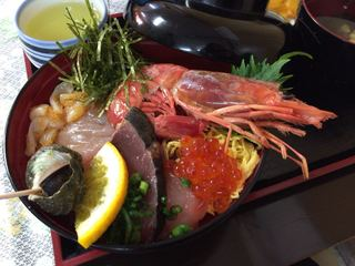 味政 - 海鮮丼(並)1,200円。