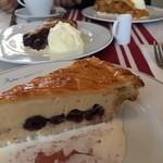 ペーパームーン - クリームチーズパイ
