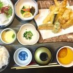 一天張 - 天ぷら定食。