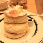カフェ&パンケーキ gram - 料理写真:プレミアムパンケーキ950円