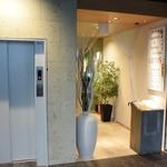 ロータス ジャパニーズ&コリアンキッチン - お店の入口