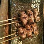 焼き鳥 若ちゃん - 料理写真:わかちゃん特製、行者ニンニクを豚で巻いたあいちゃん巻