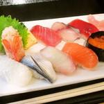 ふじやす食堂 - 10カンにぎり寿司