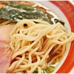 82617464 - 浅草開化楼謹製の中細ストレート麺。