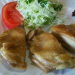 蒸鶏工房 白地商店 - 蒸鶏もも ¥600