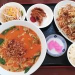福源 - 料理写真:油淋鶏と担々麺セット(750円)
