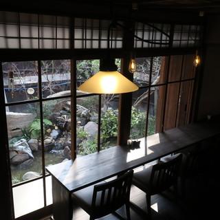 築100年。静かに佇まう古民家酒場で、美酒ともに宴す。