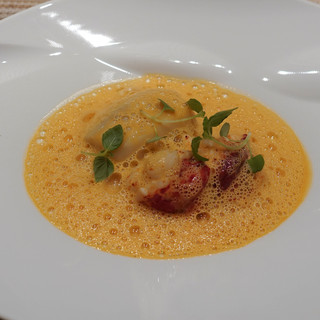 SUGALABO - 料理写真:ブルターニュ産のオマール海老に海老芋
