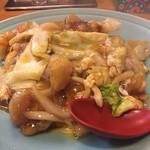 長城 - 料理写真:豚天丼864円。量も結構あって豚の天ぷらと甘いあんがいい具合にからんでめちゃくちゃ美味しい。