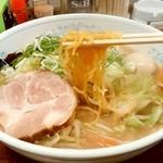 ラーメン 圭司 - ラーメン 圭司@厚別 味噌ラーメンの麺