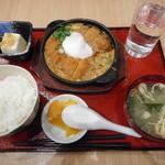 82639817 - ロースカツ&ヒレカツ煮定食¥800-