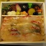 紫野和久傳 - 鯛ちらし弁当 ¥2,700