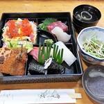 江戸っ子 - 料理写真:寿し割子 1290円