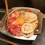 ニュー白馬 - 牛肉とレンコンのお好み焼き