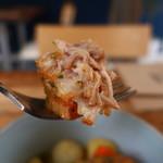 カマクラ ガレージ - 豚ばら肉のホワイトビール煮込みリフトアップ