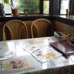 インド料理 ヒマラヤン - 窓側