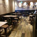 ハート ブレッド アンティーク - カフェスペースの雰囲気