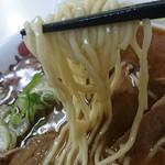 82661769 - 加藤製麺の中細縮れ麺