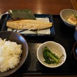 ひもの屋 Cafe&Bar - サバ定食 780円