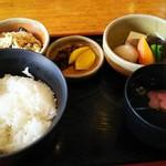 田楽座 わかや - ご飯、野菜の煮物、おから、 お吸い物、お漬物