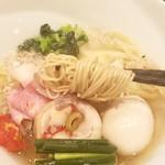 饗 くろ喜 - ストレート細麺