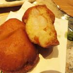水産卸直営酒場 ぎんりん - ハトシ! 長崎の郷土料理で、パンに海老のすり身を挟んで揚げたエビパンです。