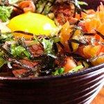 串にこみ 情 - ボリュームたっぷり     『煮こみ丼』
