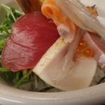 塩竈市場食堂 - まぐろ、何かの炙り