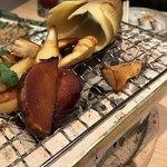 わら焼・串焼ダイニング 焼名人 - タケノコくんの七輪焼き