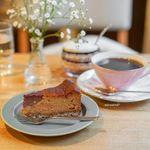 喫茶 Stove - キャラメルとチョコレートのチーズケーキ、豆岳ブレンド