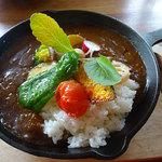THE old CAFE - 野菜を食べるためカレー880円