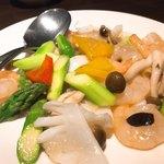 中国酒菜 暢暢 - 料理写真:海老・烏賊・アスパラ塩炒め
