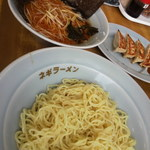 ラーメンショップ椿 - ネギつけ麺(並) 830円