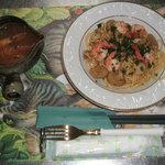 ひすいの海 - 料理写真:南蛮エビとホタテのバジルパスタ