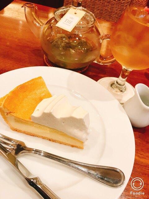 ハーブス 栄本店 - 桜(紅茶)とアイリッシュクリームチーズケーキ