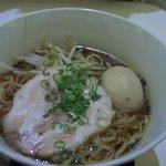 ちゃぶ屋 とんこつらぁ麺 CHABUTON - 醤油らぁ麺(味玉入り)680+100円
