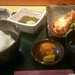 和食 お酒 彩は - 料理写真:本日のお膳(ぶりの柚子焼きポン酢、もずく酢、ひじき、漬物、ライス、味噌汁)