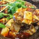 菜 - 唐辛子入りのラー油たっぷり・お肉たっぷり・とろみたっぷりです。