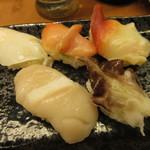 かいてん寿し 大倉 - 貝の五貫盛り(活ばい貝、赤貝、ほたて、とり貝、ほっき貝) 800円 (2018.3)