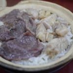 Four Seasons Pot Rice - 牛肉滑鶏飯(59HKDドル)