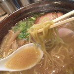 82702517 - スープはさらり、麺も味噌にしては細め