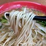 中華そば 遊山 - 麺リフト