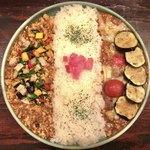 82706686 - ハーフ&ハーフ 1350円(税込)                       10辛 サハラ 50円(税込)                       ✿きざみ野菜のチキンキーマ                       ✿ナスとプチトマトのひき肉のカレー