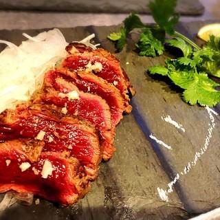 新名物!『馬肉』激レアステーキと肉寿司がオススメ!